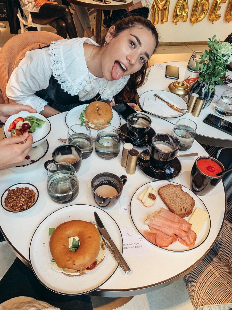 Wo ich zuletzt in Wien essen war – Das untypische Food Diary Ein perfekt arrangierter Tisch, Speisen, bei denen das Wasser im Mund zusammenläuft, und hippes Interior – so sieht der gewöhnliche Restaurantbesuch eines Bloggers aus. Zumindest solange Instagram die Realität darstellt.